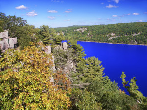 Devil's Lake is the biggest state park in Wisconsin. The park features impressive bluffs and a 360-acre lake.